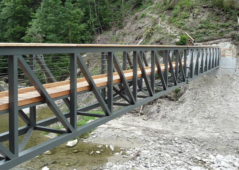 Fussgängersteg gebaut durch Hofstetter AG Stahlbau Ostschweiz