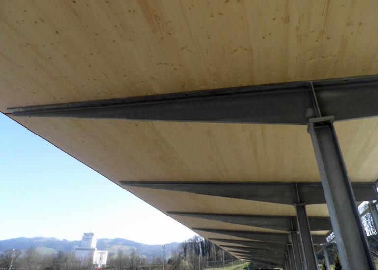 Tribünendach Stahlträger