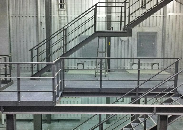Treppenturm im Innenbereich Stahlkonstruktion