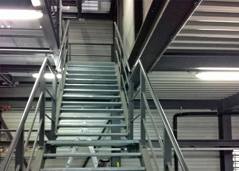 Treppenturm aus Stahl
