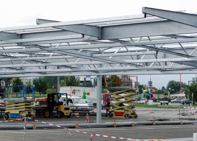 Überdachung Parkplatz Migros Rheinpark aus Stahl